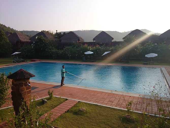 answering service for pool companies
